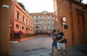 dcaminal38616631 barcelona 25 05 2017 economia fachada del centro la farin170526123723