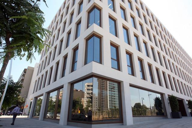 El Consorcio de la Zona Franca vende el edificio del Banco de Sangre por 45 millones