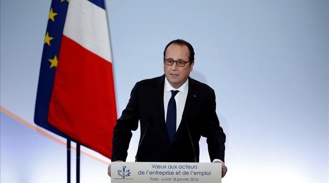 """Hollande dice que Francia está en """"estadio de emergencia económica y social"""""""