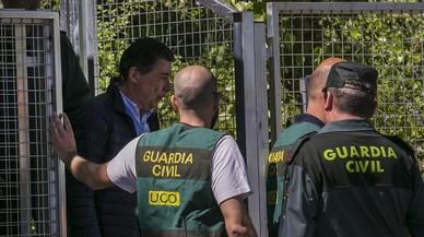 González es trasladado a la Audiencia Nacional para prestar declaración ante el juez.
