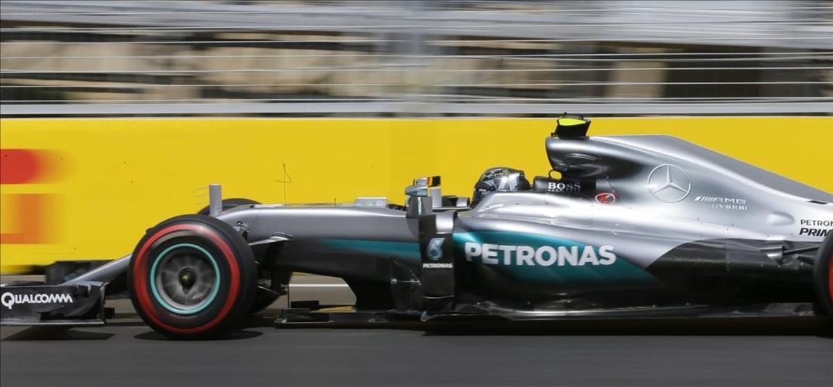 Rosberg arrasa a Bakú i liderarà la graella del GP d'Europa