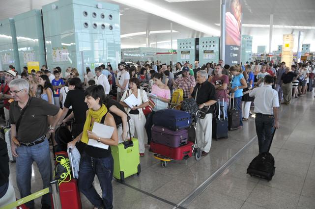 Las medidas del equipaje de mano de las principales aerol neas - Medidas maleta cabina vueling ...