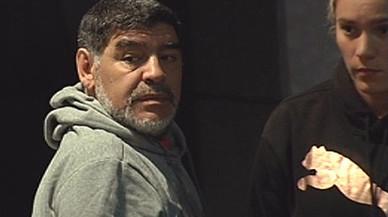 """Maradona: """"Es incoherente que a Messi le hayan anulado la sanción"""""""