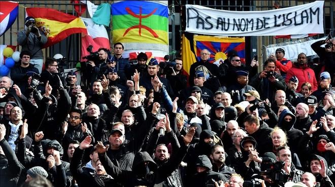 Els feixistes irrompen en un homenatge a les víctimes a Brussel·les