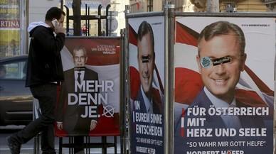 Propaganda electoral en Austria. A la izquierda Van der Bellen y a la derecha Hofer.