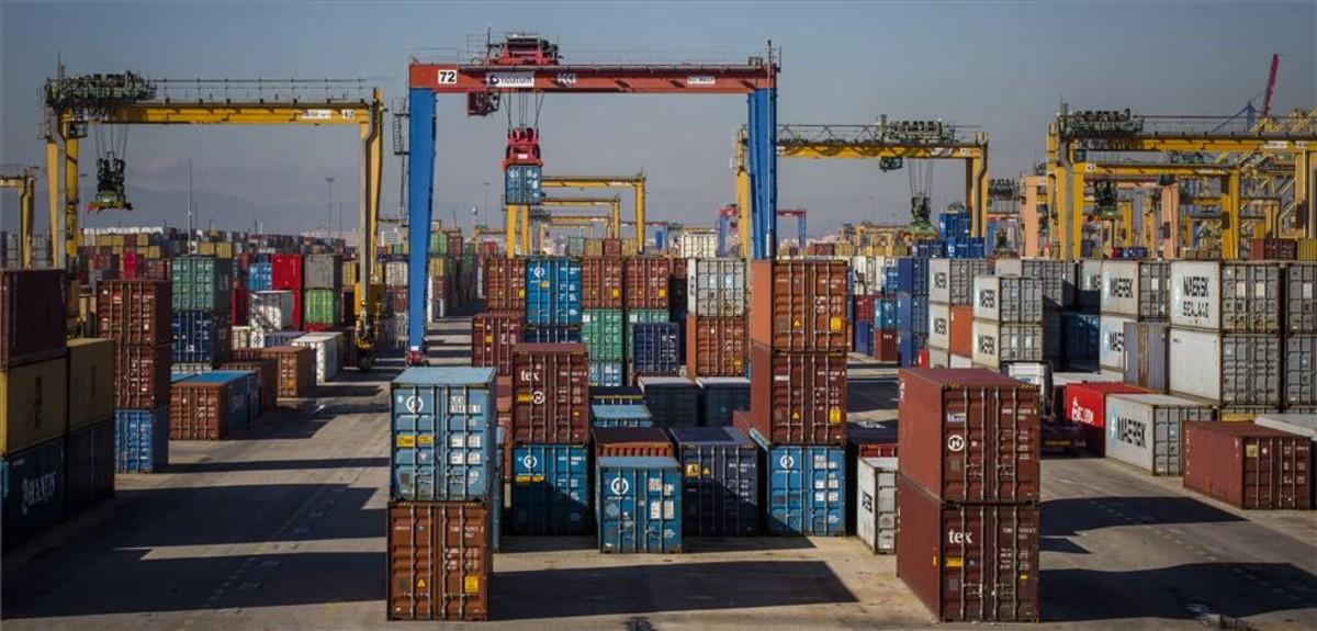 La china Cosco compra la principal terminal del Puerto de València