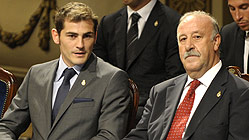 Del Bosque: &quot;Casillas debe ser obediente, disciplinado y discreto&quot;