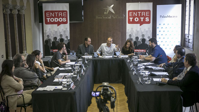 Joan Herrera conversa amb deu lectors d'El Periódico