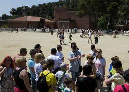 El parque G�ell afloja tras la denuncia del veto a guiar a familiares y amigos