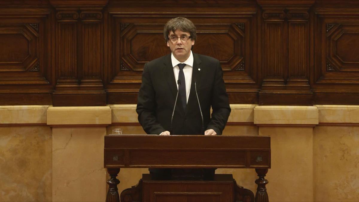 Puigdemont, durante su comparecencia en el Parlament.