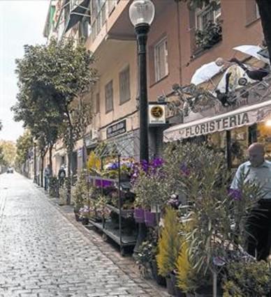 Coroleu la calle de las bonitas casas centenarias - Barrio de sant andreu ...