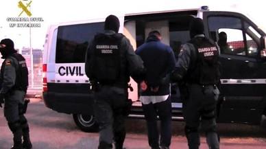 Cae una red que clonaba vehículos robados con ayuda de un funcionario