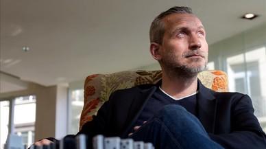 """Olivier Norek: """"El trabajo de un guardia de prisión en Francia es volver a casa sano y salvo"""""""