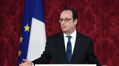 """Hollande: """"Votaré por Macron"""""""