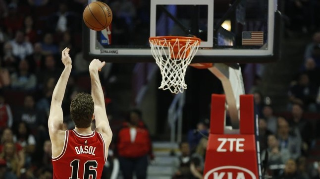 Un Gasol de récord acerca a los Bulls a los play-off