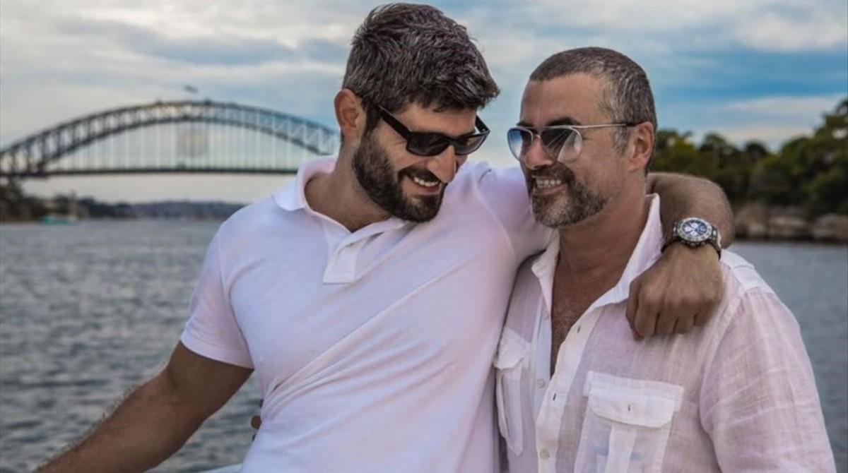 El novio de George Michael niega que el cantante quisiera suicidarse