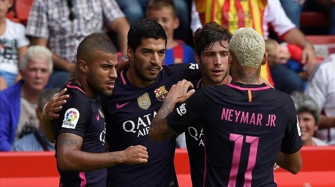 Rafinha, Su�rez, Sergi Roberto y Neymar, los protagonistas de los cinco goles del Bar�a.