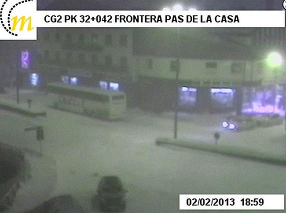 La nieve obliga a cortar la frontera entre Andorra y Francia
