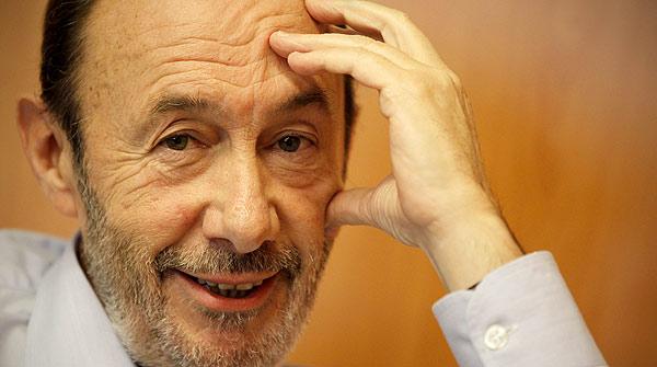 El candidat del PSOE a la presidència repassa l'actualitat amb Enric Hernàndez.