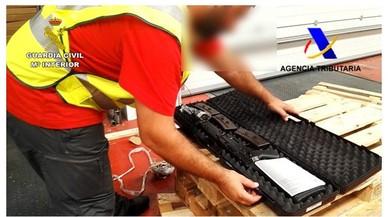 Desmantellat un dipòsit il·legal d'armes i explosius a Sevilla