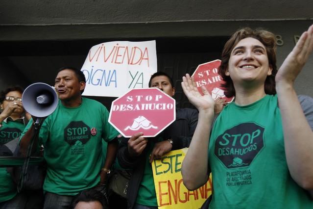 La PAH logra parar un nuevo desahucio en Ciutat Meridiana