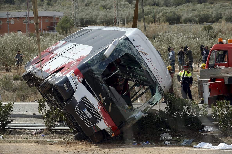 Un viajero del autocar siniestrado avis� por Whatsapp del accidente de la AP-7