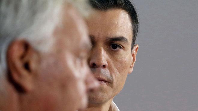 Sánchez replica a González que el PSOE va fer en la investidura el que es va pactar al Comitè Federal