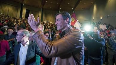 Pedro Sánchez en un encuentro con militantes celebrado en Ourense.