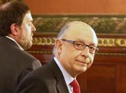 El vicepresidente y consejero de Economía y Hacienda, Oriol Junqueras, y el ministro de Hacienda, Cristóbal Montoro.