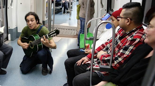 Un trovador en el metro