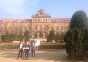 Francesc Homs, amb lhistoriador Jaume Sobrequès i Aleix Sarri, candidat de Democràcia i Llibertat, al Parc de la Ciutadella de Barcelona.