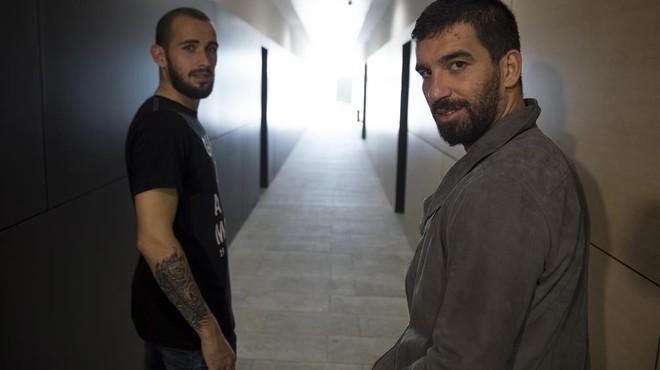 Aleix Vidal i Arda Turan, al final del túnel