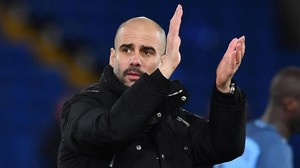 rpaniagua37080983 manchester city s spanish manager pep guardiola applauds at 170131182813