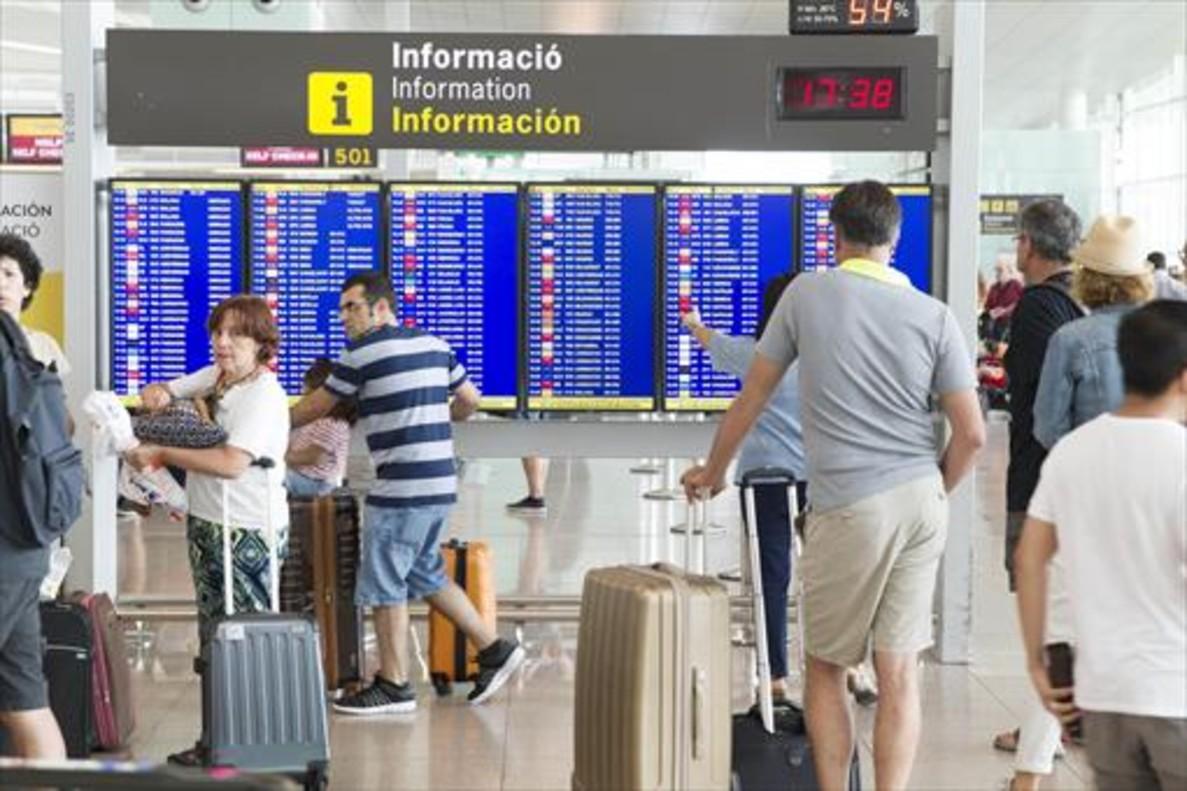 Panel de información, en el Prat.