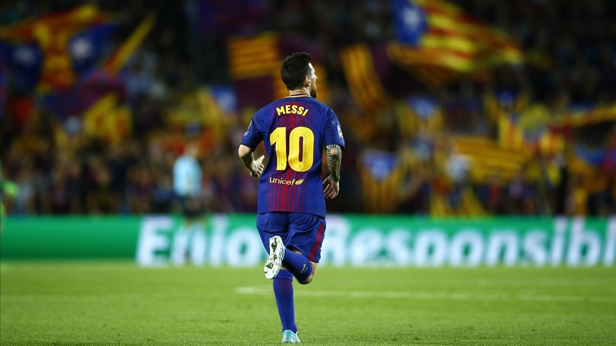 marcosl40082344 barcelona s lionel messi celebrates scoring his side s 3rd g170913195542