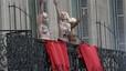 Activistes de Femen interrompen el discurs de l'1 de Maig de Marine Le Pen