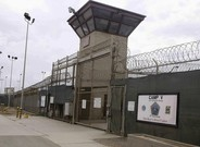 Entrada a los campos 5 y 6 de la prisión miltar norteamericana de Guantánamo (Cuba), en una imagen de archivo, en junio del 2014.