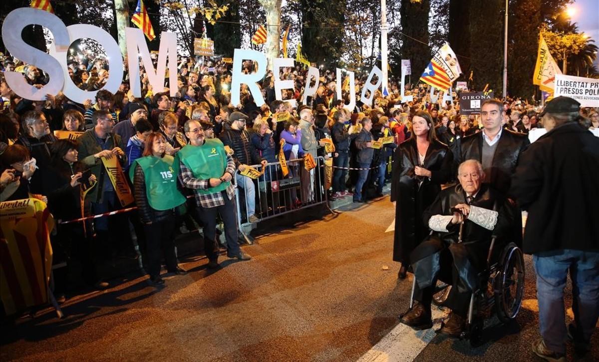 Entre los manifestantes un grupo del ámbito de la justicia.