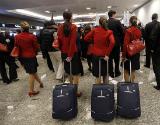 �Un grupo de azafatas, en un aeropuerto, en una imagen de archivo.
