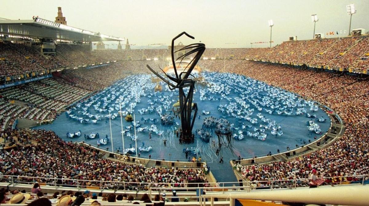 El grupo teatral ' La Fura dels Baus ' pasrtipa en la inauguración de los Juegos Olímpicos Barcelona 1992.