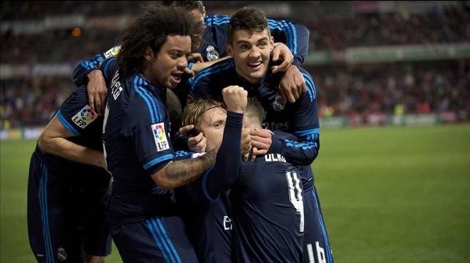 Modric celebra su gol victorioso ante el Granada.