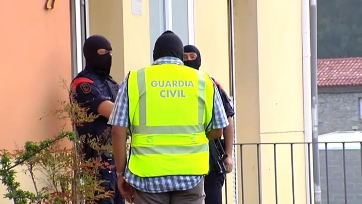 Mossos y Guardia Civil realizan registro en Ripoll