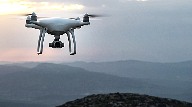 ¿Qué necesitas para hacer volar un dron?