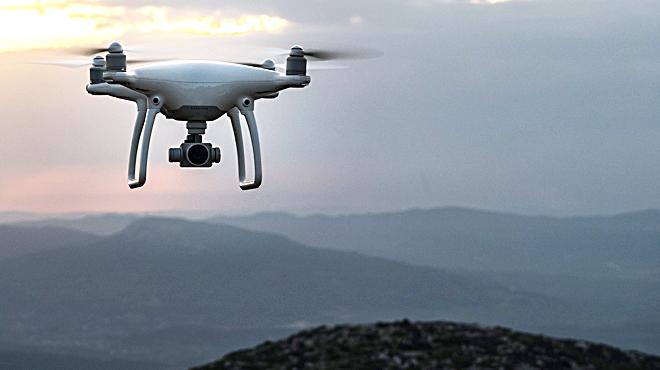 ¿Què necessites per fer volar un dron?