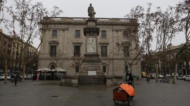 Plaza de Antonio L�pez, en Barcelona.