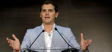 Rivera se proclama heredero de Su�rez en su acto de presentaci�n