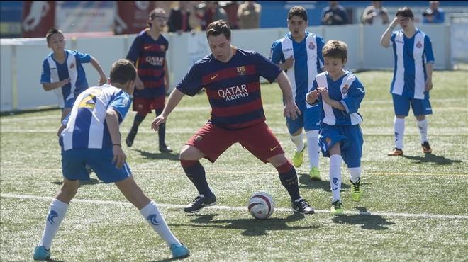 �lvaro del Bosque, con la camiseta azulgrana, en el partido contra el Espanyol.