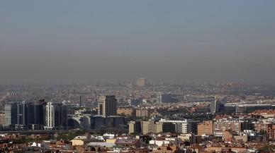 Madrid prohibeix aquest divendres aparcar al centre per alta contaminació