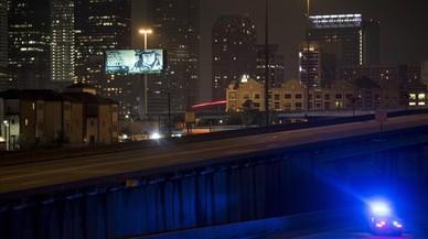 Les autoritats decreten el toc de queda a Houston