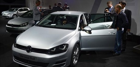 Presentacin del nuevo Golf de Volkswagen en Berln. AFP PHOTO / JOHN MACDOUGALL